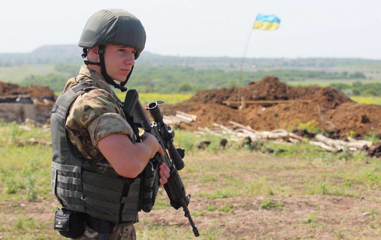 На Донбассе девятые сутки подряд без потерь среди украинских военных