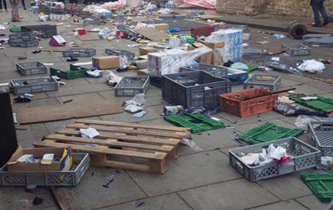 Фото: наезд на рынок в Букингеме (Paul Strickland twitter.com)