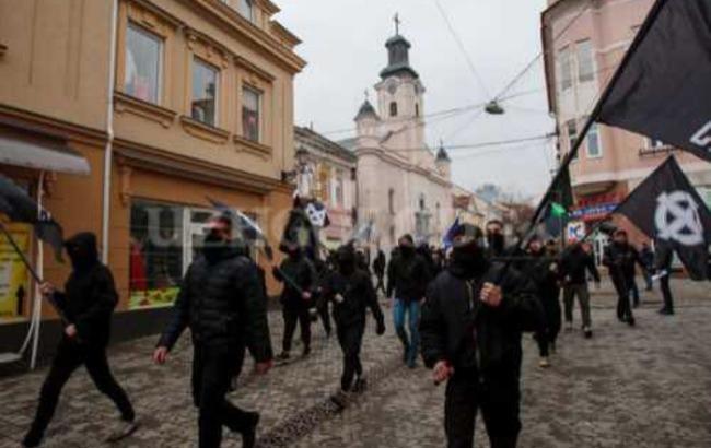 """""""Продолжается сафари"""": в Ужгороде радикалы избивают активистов"""