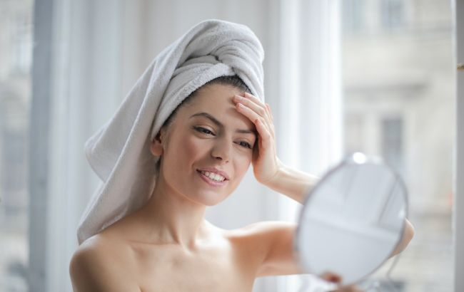 Користь чи ілюзія? Косметолог розповіла правду про тканинні маски для обличчя