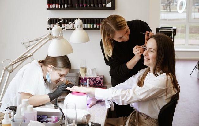 Красота по-украински: как салоны и барберы готовятся принимать клиентов после карантина