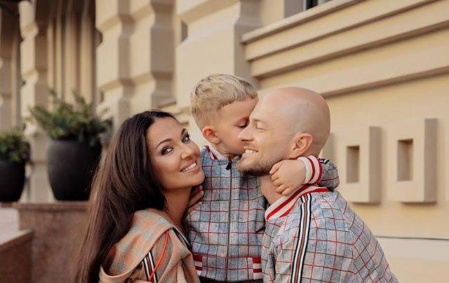 Росте справжній чоловік: дружина Влада Ями розсекретила принципи виховання сина