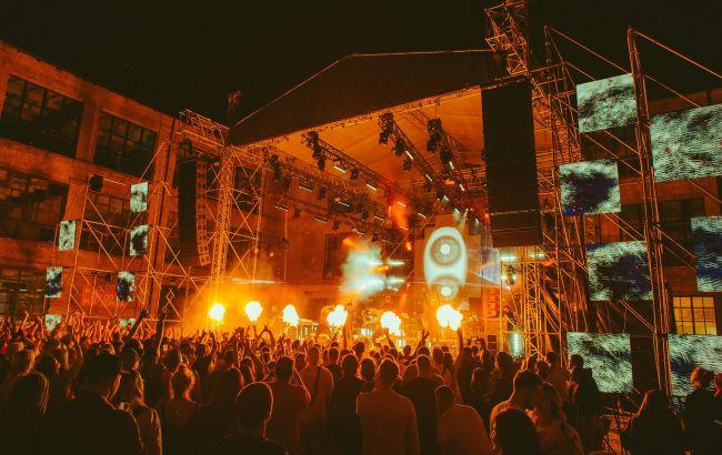 Жаркая Африка посреди столицы: как прошел масштабный фестиваль White Nights Festival. Africa