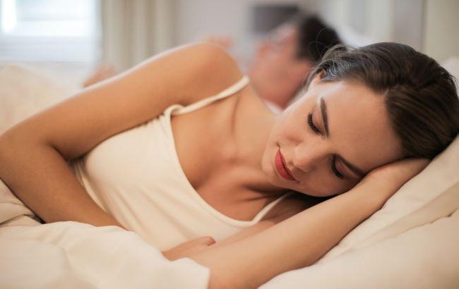 Сон як у немовляти: доктор запропонував простий метод, який гарантовано допоможе виспатися
