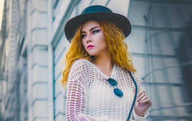 Как скорректировать бедра: стилист поделилась действенными хитростями