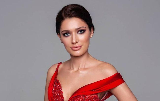 Міс Всесвіт 2021: українська красуня показала нове вечірнє вбрання для фіналу