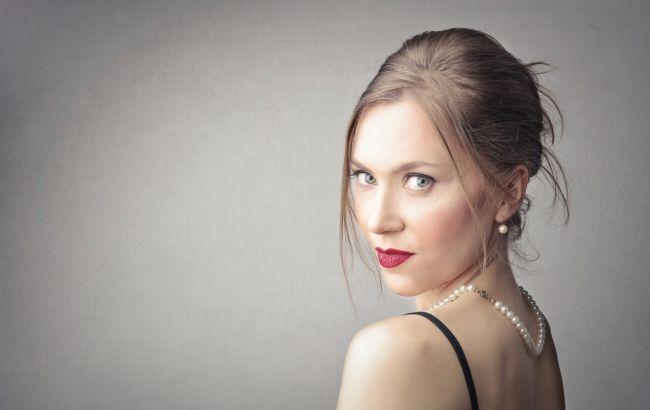 Гладкая и бархатистая: как эффективно бороться с шелушением кожи зимой