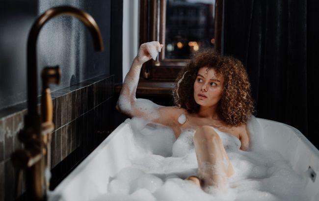 Идеальное увлажнение и питание: косметолог рассекретила тайный рецепт ванной Клеопатры