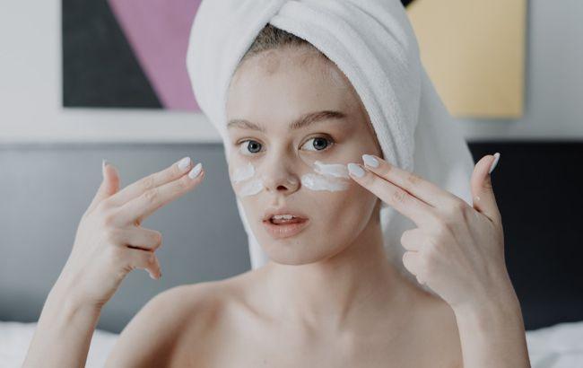 Як доглядати за шкірою взимку: косметолог розкрила важливі секрети