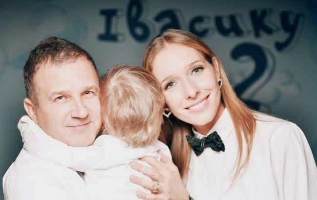 Катя Осадча зачарувала осіннім family look з синочком і зворушила Горбунова: тато сумує