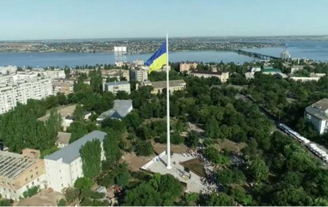 У Миколаєві відкрили 72-метровий флагшток з використанням особливого архітектурного рішення