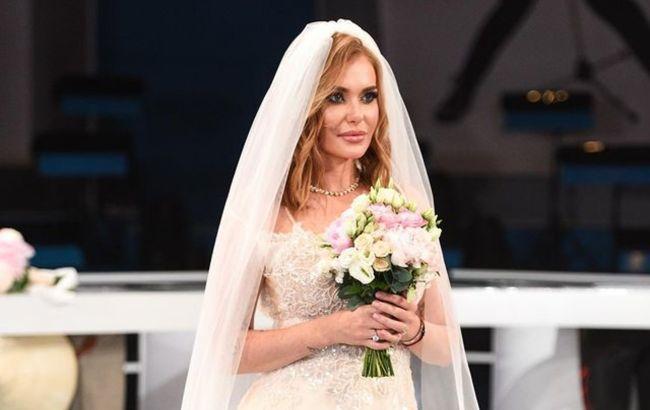 Замуж невтерпеж: Слава из НеАнгелов в роскошном свадебном платье ослепила красотой
