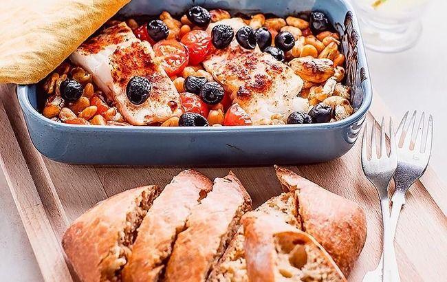 Рибне меню: тріска, запечена з томатами і білою квасолею