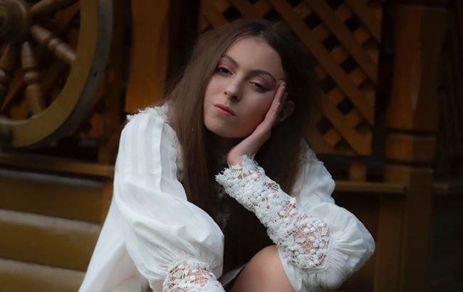 Дочь Поляковой сверкнула кружевным бельем во время модельного фотосета