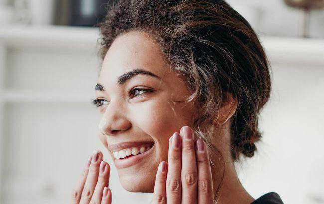 Як позбавитися від сухості шкіри взимку: експерт назвала причини та шляхи вирішення