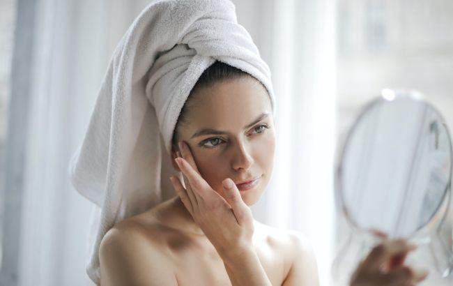 Чиста і сяюча: домашня бюджетна чудо-маска проти прищів від косметолога