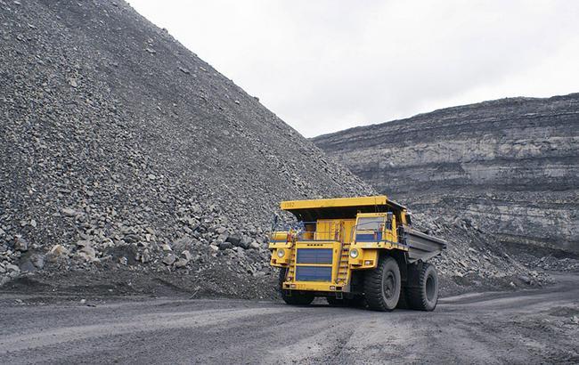 """Фото: уголь с ОРДЛО могли продавать """"Центрэнерго"""" (фото из открытых источников)"""