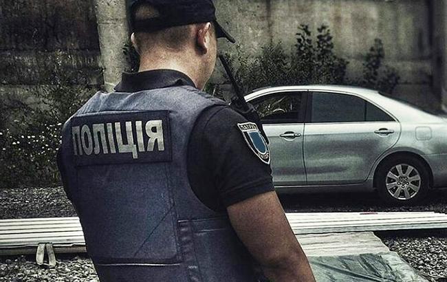 Ухудшилось состояние молодого полицейского, которого проткнули вилами (видео)