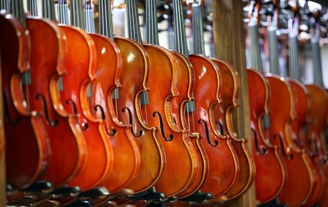 Фото: Скрипки (pixabay.com/HeungSoon)