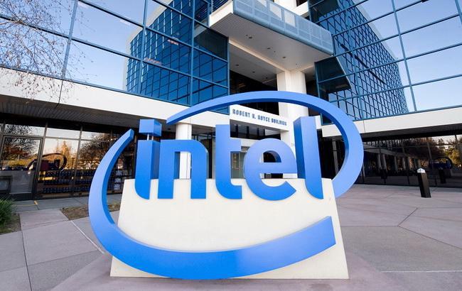 Годовая прибыль Intel сократилась на 2% до 11,4 млрд долларов