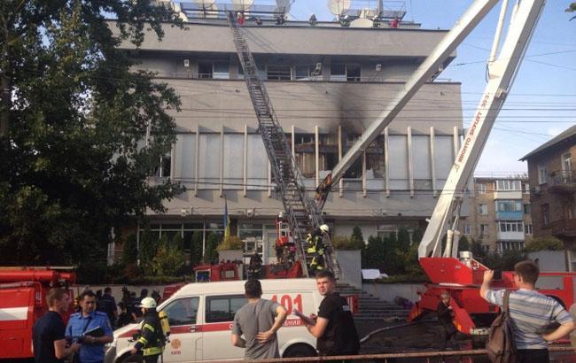 Фото: Момент возгорания в здании (unian.net)