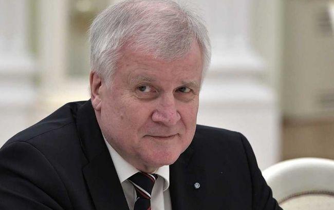 Міністр внутрішніх справ Німеччини покине пост голови ХСС у січні