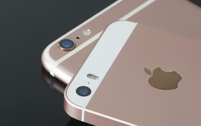 Фото: флагманські смартфони американської корпорації Apple Inc (AOL)