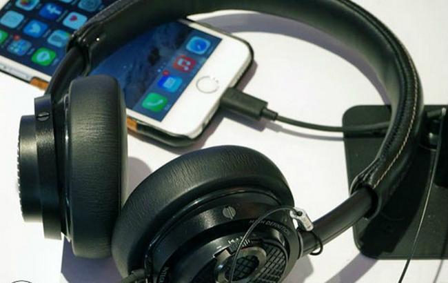 """Apple без """"міні-джеку"""": iPhone 7 позбудеться популярного аудіороз'єму 3,5 мм"""