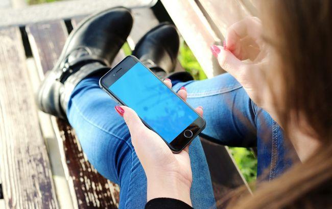 Коронавирусом можно заразиться через телефон: как очистить гаджет