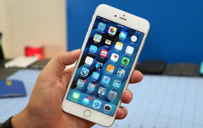 Фото: Правоохранители изъяли 10 телефонов (appleinsider.ru)