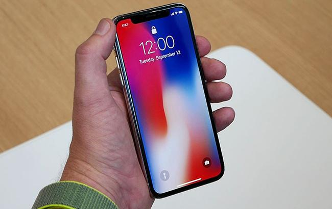 Apple планирует удешевить новые модели iPhone за счет LCD-экранов, - WSJ