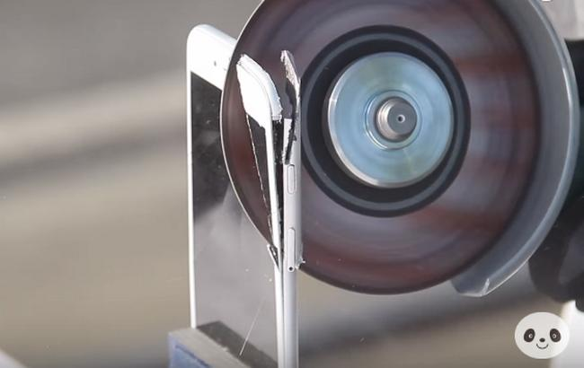 Фото: видеоинструкция по перевоплощению iPhone 6s (YouTube /PeripateticPandas)