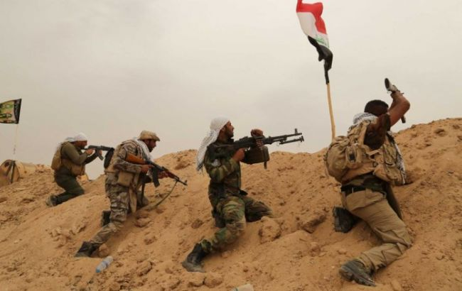 Фото: армія Іраку наступає на місто