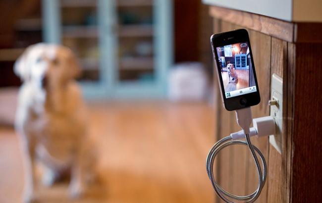 Фото: Лучше заряжать понемногу смартфон каждый день, чем заряжать его с нуля до 100% раз в два дня