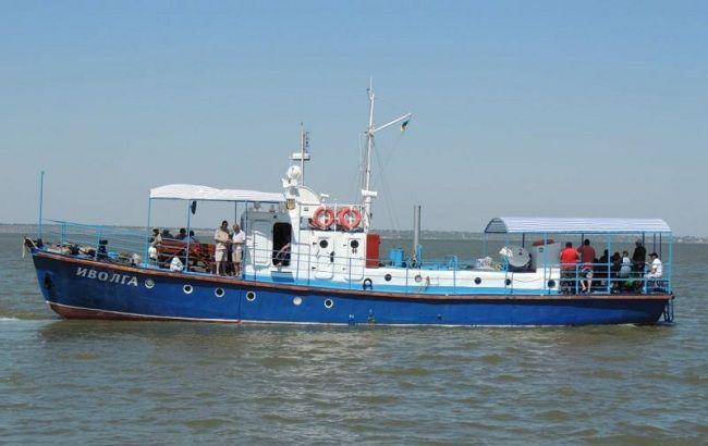 """Фото: прогулочный катер """"Иволга"""", затонувший в Одесской области"""