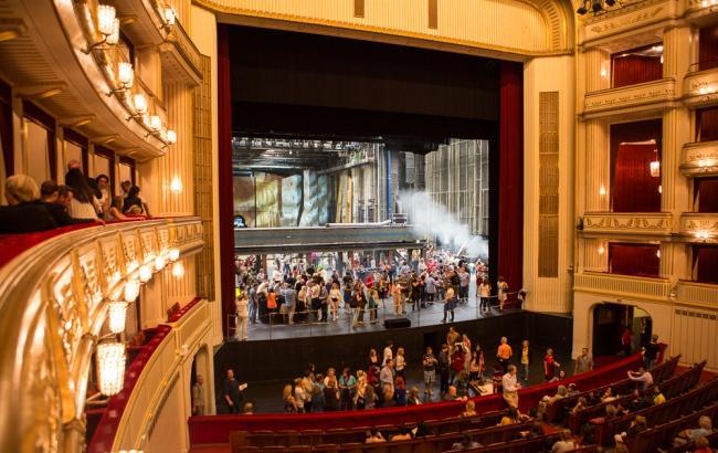 Венская опера приоткрыла кулисы