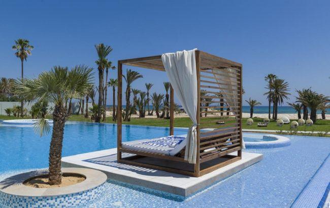 Без карантину і повторних тестів: у Тунісі пом'якшили правила для туристів