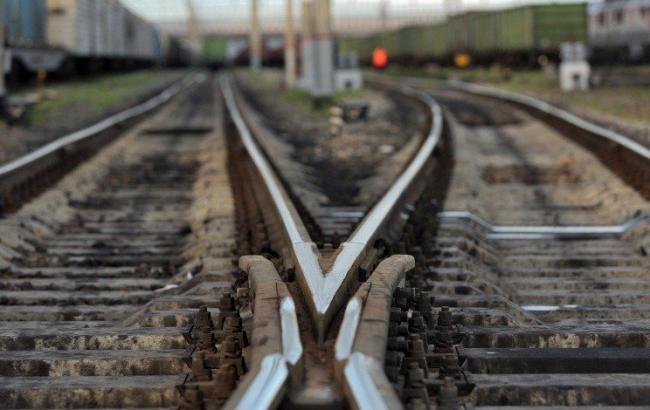 На залізничному перегоні в Миколаївській області 6-річного хлопчика вдарило струмом