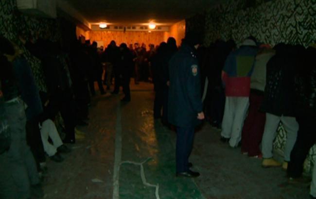 Фото: ночные столкновения под Житомирской кондитерской фабрикой