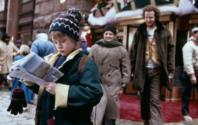 "Фото: Кадр из фильма ""Один дома-2"" (kinoprosmotr.tv)"