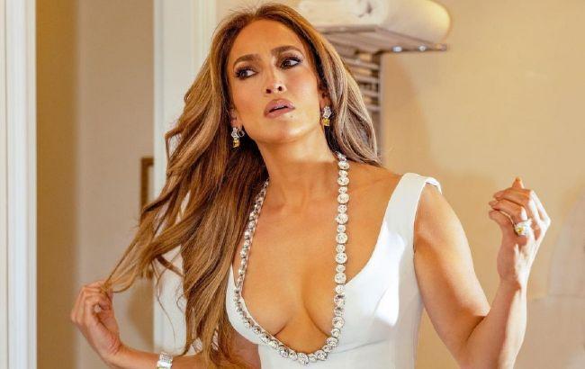 52-річна Дженніфер Лопес підкорила молодим зовнішнім виглядом: хіба можна бути такою красивою?