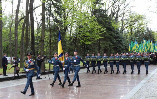 Комуністична символіка та сутички: як в Україні проходять акції до 9 травня