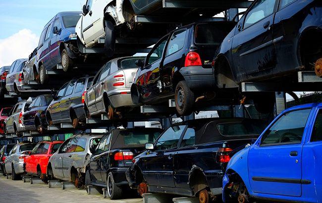 Утилізація авто: у МВС розповіли, як зняти машину з обліку