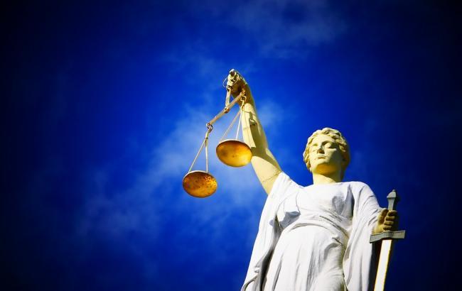 Фото: Українці подали в суд на німецьку владу (pixabay.com/AJEL)