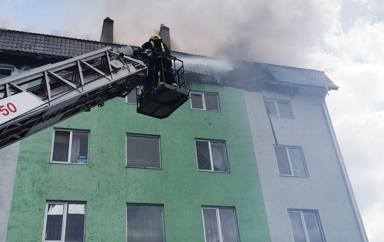 Пожар в пятиэтажке под Киевом тушили несколько часов: спасатели сообщили подробности