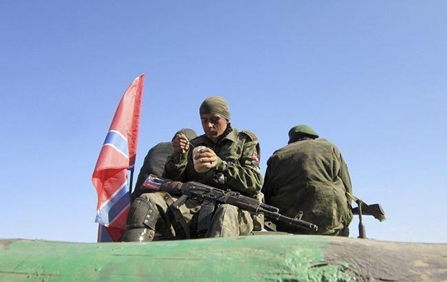 Фото: боевики на Донбассе (twitter.com/borisich_glass)