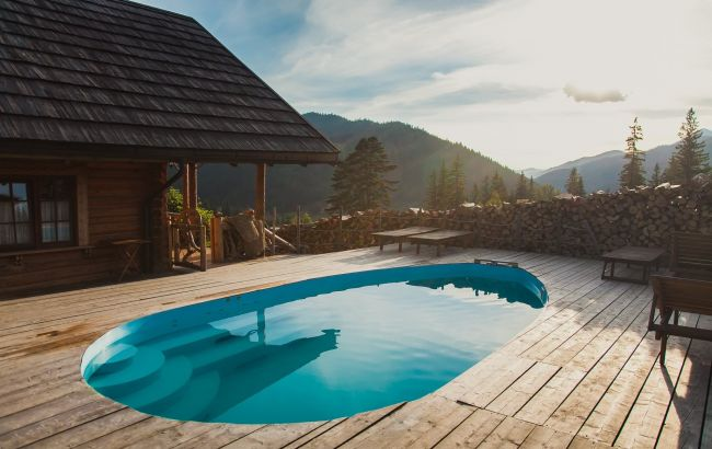 Гарячі купелі з краєвидом на гори: де в Карпатах відпочити в атмосфері комфорту і затишку