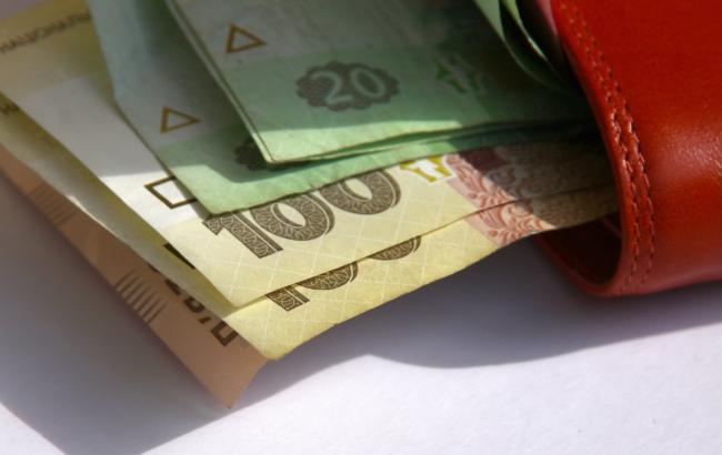 Фото: главы ОВГА получают самую большую зарплату среди руководителей областей