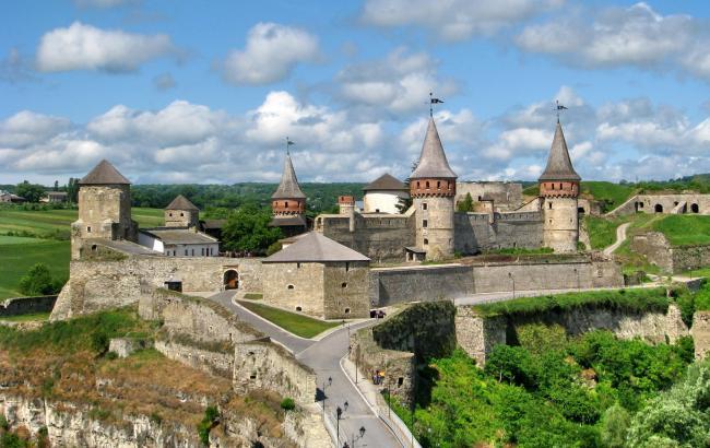 Четыре крепости за уикенд: тур выходного дня из Киева