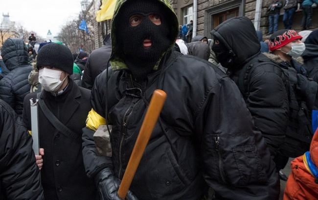 У Києві невідомі не пускають делегатів на з